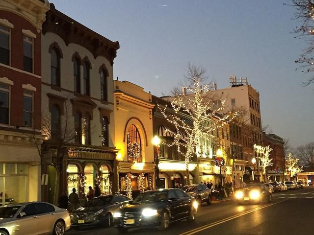 8 of the best towns for Christmas spirit in the Northeast