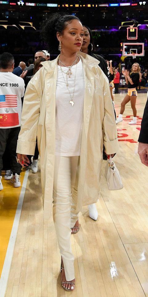 Leave It to Rihanna to Make a Plain White T-Shirt Look Like a Million Bucks