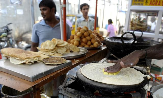 How to safely enjoy India's incredible street food scene