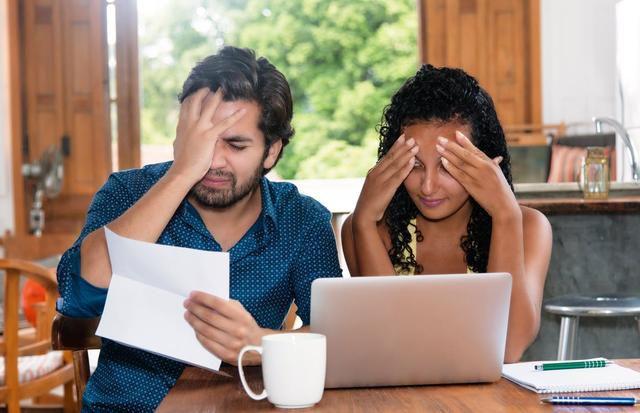 7 of the Dumbest Ways to Borrow Money