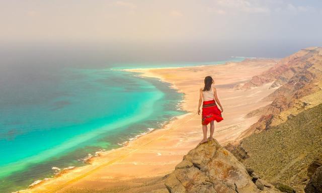 Isolating on a desert island: YouTube star skips lockdown