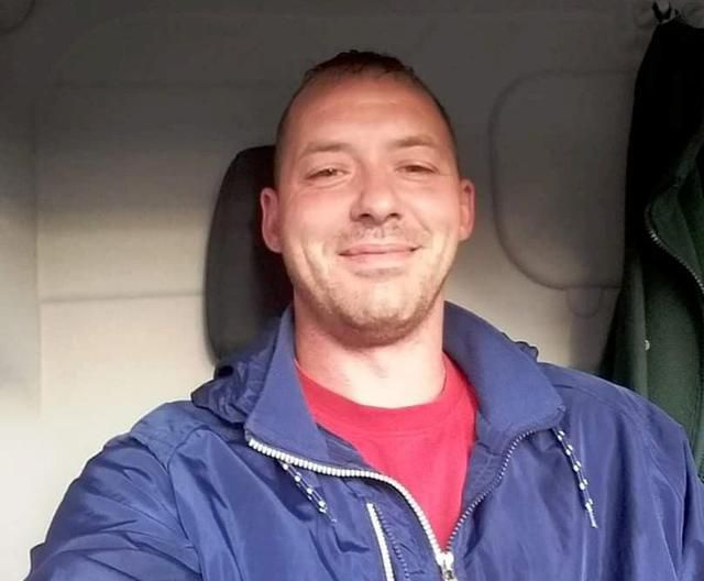 Man Spends Three Hours Replacing His Broken Car Door Only To Realize It's The Wrong Size