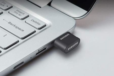 These Flash Drives Let You Access Your Most Precious Information From Anywhere