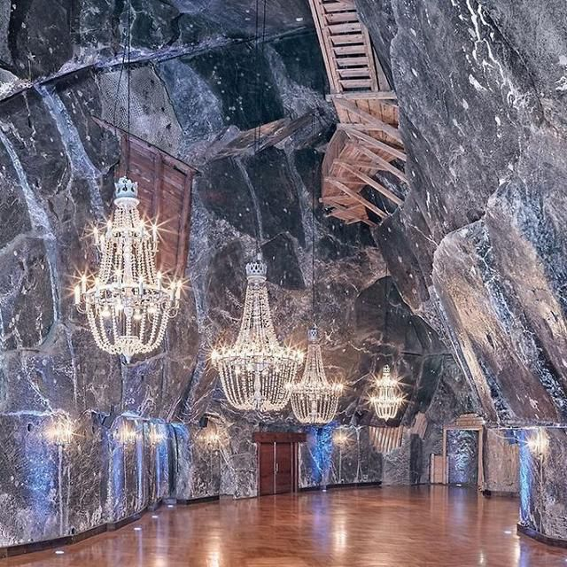This Ancient Underground Salt Mine In Poland Has Lakes, Chapels, And Chandeliers All Made Of Salt