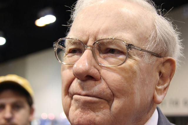 There's No Doubt Anymore: Buffett Thinks Stocks Are Grossly Overvalued