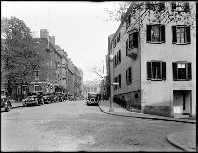 30 Amazing Pics Capture Street Scenes of Massachusetts in the 1920s