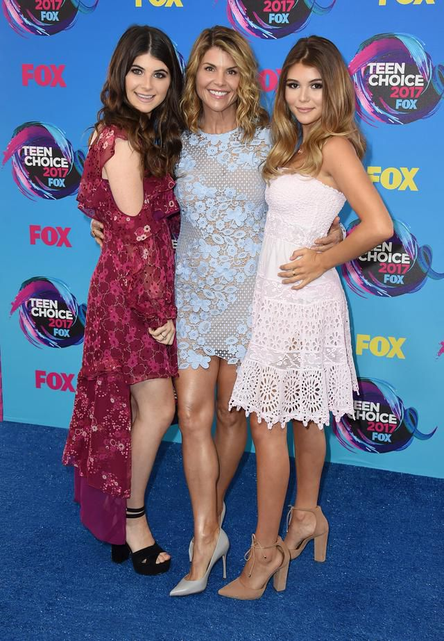 Lori Loughlin told daughters they needed to do better in high school, new court doc alleges