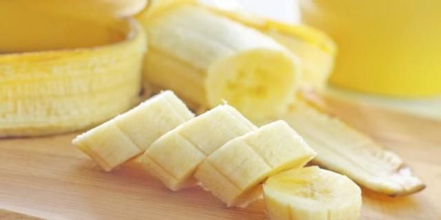 Why You Should Start Your Day with Banana and a Cup of Warm Water