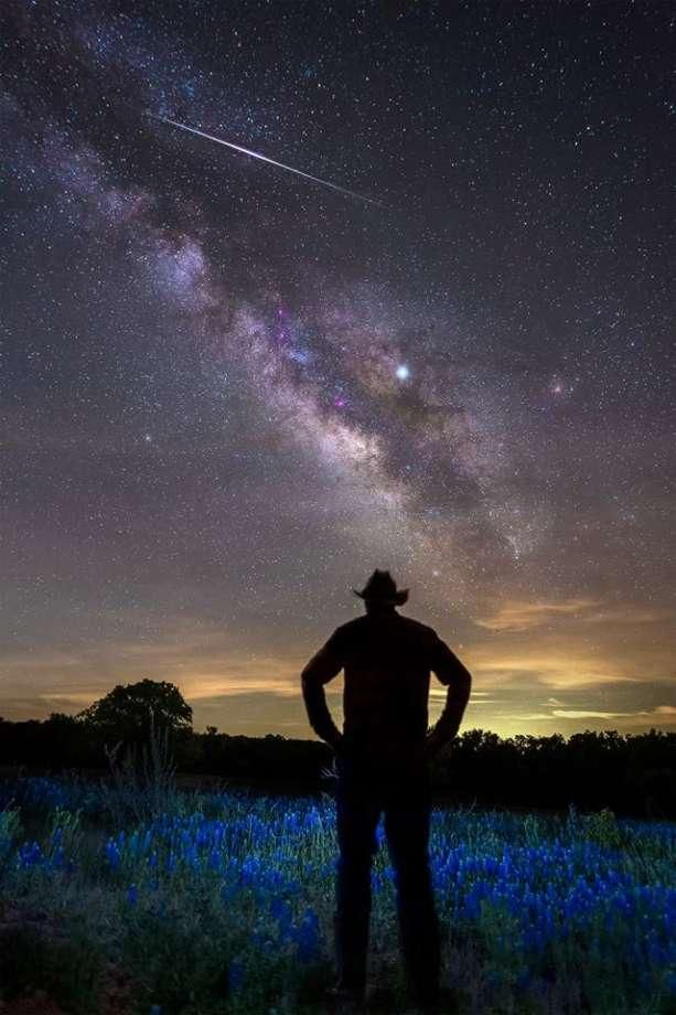 Halley's Comet will spark a meteor shower Monday night