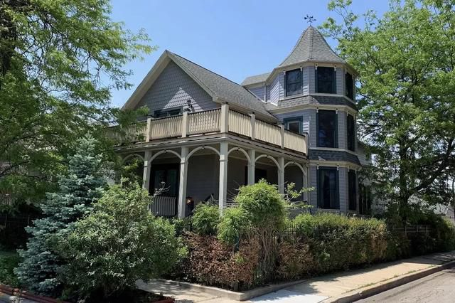 A Canaryville home with a one-of-a-kind history wants $600K