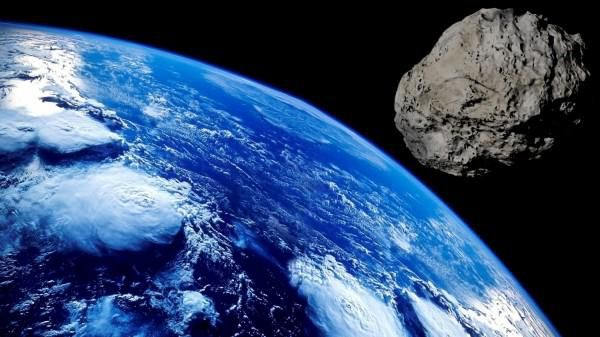 Asteroid Flyby: A Football Field-Sized Asteroid Flew Close to Us, and Nobody Knew Until it Did