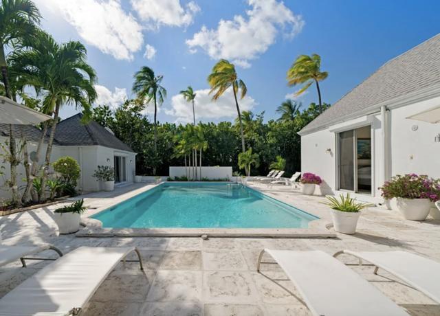 Inside the Royal Family's Favorite Bahamas Retreat