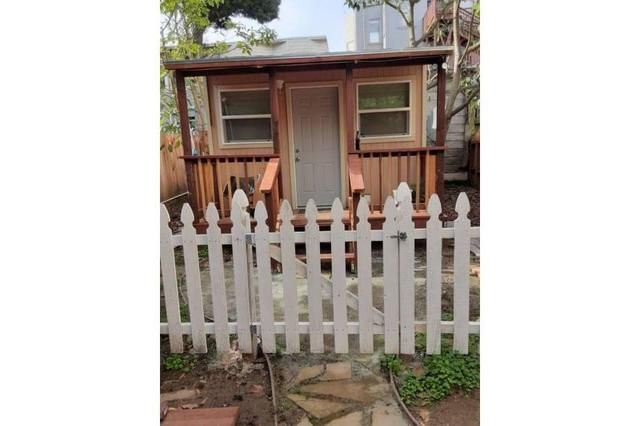Tiny home with deck: Guess how much this rents for in San Francisco