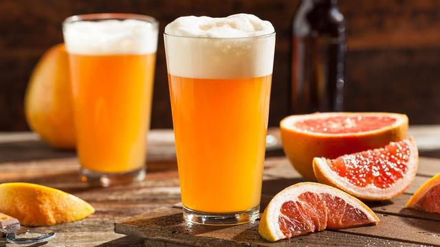 What to Mix with Beer: 5 Refreshing Beer Cocktails and Mixed Drinks