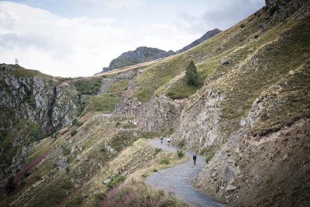 Cyclist 100 Classic Climbs: 30