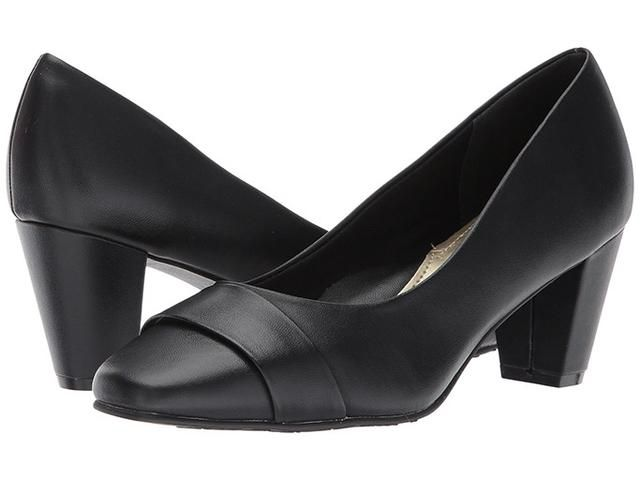 The Most Comfortable Pumps to Wear to Work, According to a Podiatrist