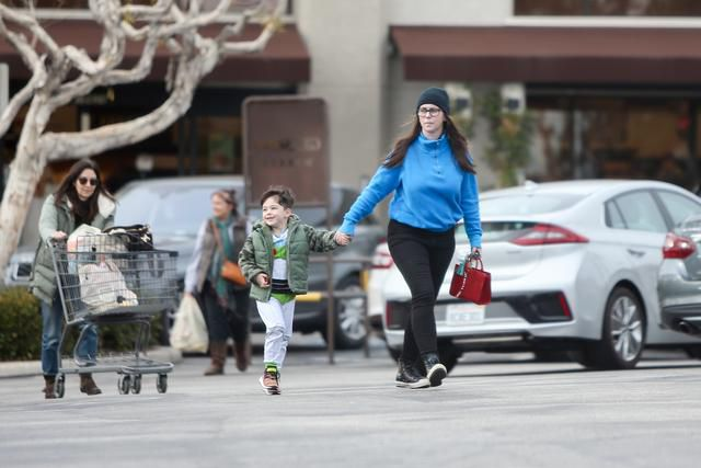 Jennifer Love Hewitt and Son Atticus, 4, Enjoy Outing at a Local Grocery Store in Los Angeles