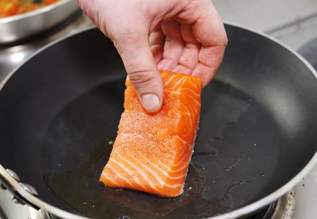 How to cook salmon – for the healthiest and tastiest results