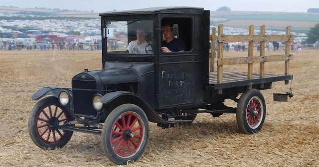 15 Trucks You Didn't Know Existed Between 1895 And 1955