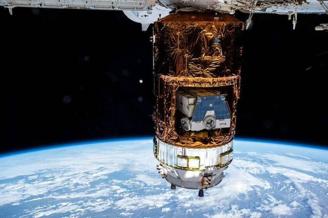 Japan's cargo ship is just chilling out on the ISS, looking awesome