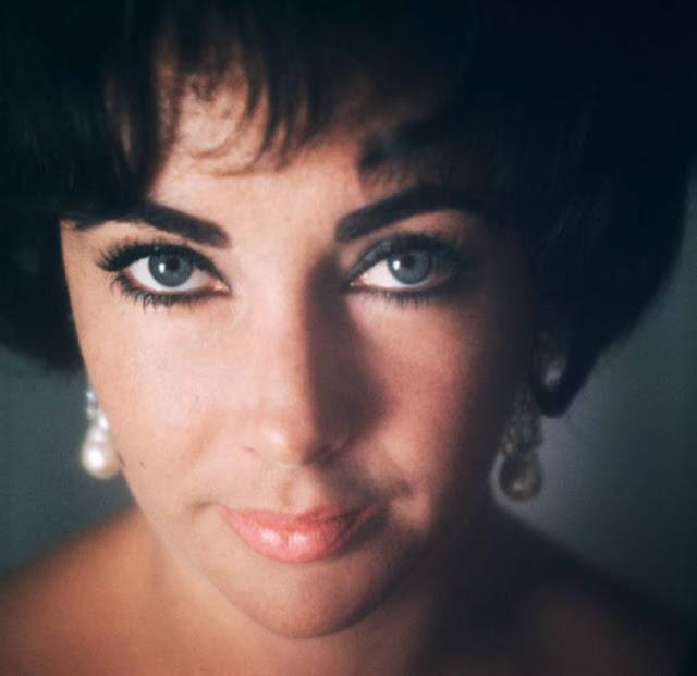 Beautiful Pics of Elizabeth Taylor Photographed by Douglas Kirkland in 1961