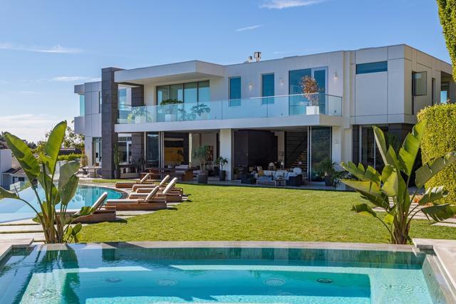 L.A. Reid's modern Westside mansion