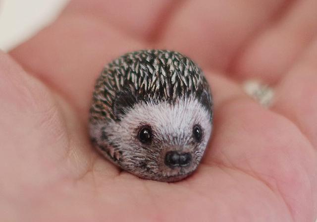 This Japanese Artist Turns Stones Into Tiny Animals