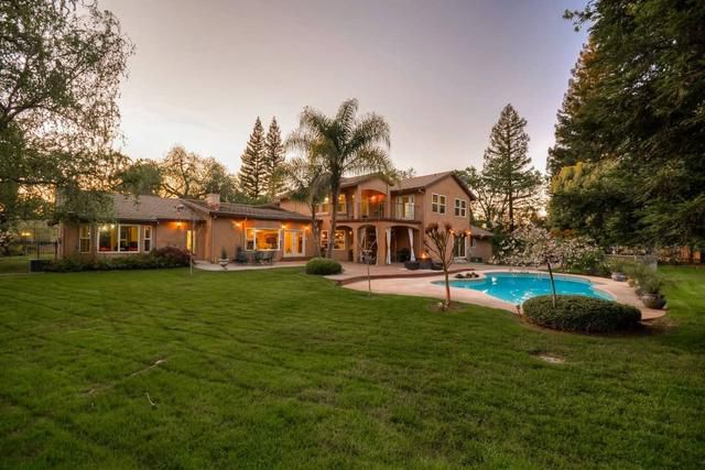 This Stunning Estate in Sacramento Could be Yours for $1.7 Million!