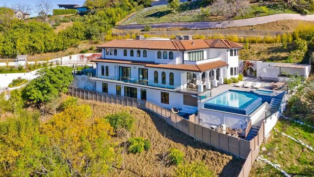 Dwyane Wade and Gabrielle Union's Sherman Oaks home | Hot Property