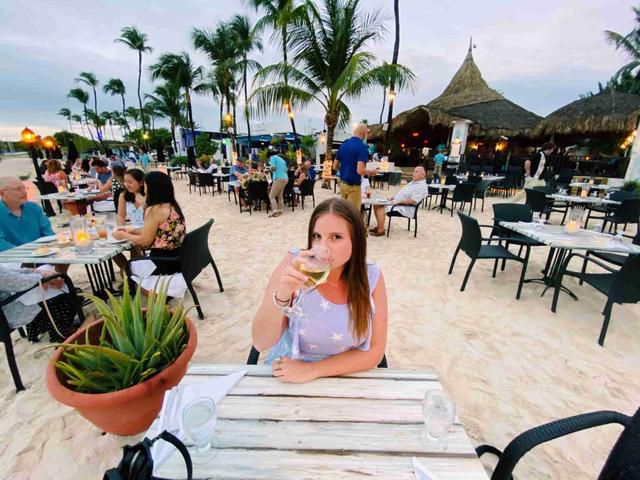 How I used a $330 business-class deal, free night certificate and points to vacation in Aruba