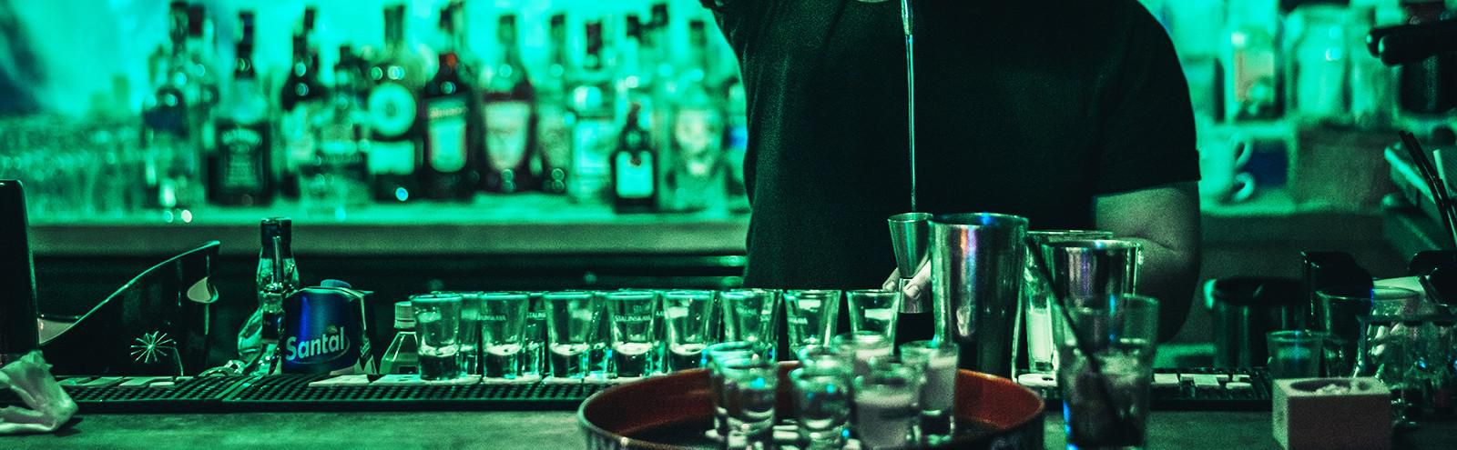 We Asked Bartenders For The Customer Habits They Hate The Most
