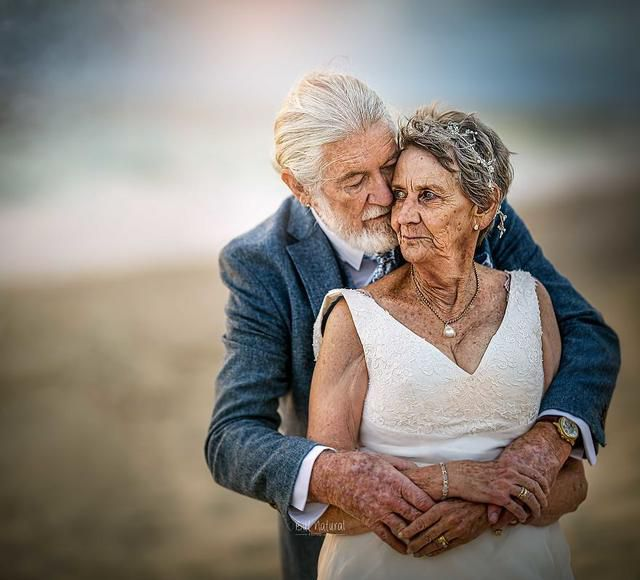 55 Years After Their Marriage, I Did Their Wedding Shoot And This Is How True Love Looks!