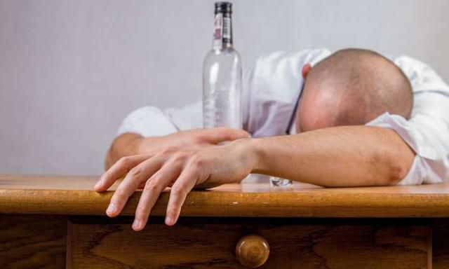 A possible way to silence alcohol-related memory cues to prevent relapse in alcoholics