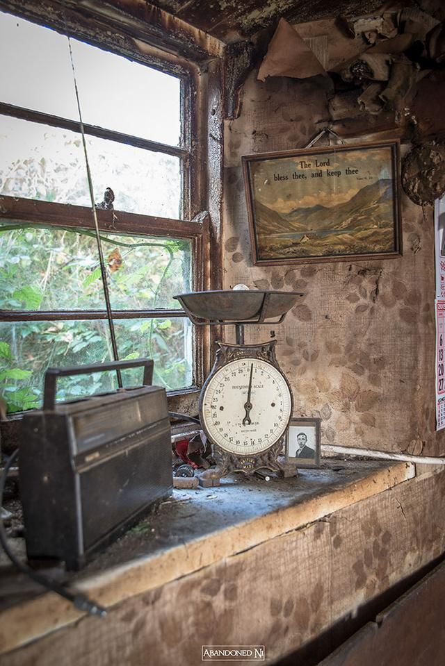 This Photographer Took Pictures Of Frozen In Time Cottage With Loads Of Ancient Stuff From 1811