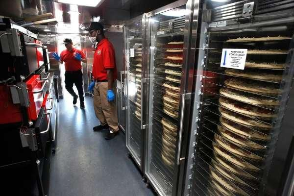 Robot pizza maker Zume to lay off over half its workforce, stop making pizzas