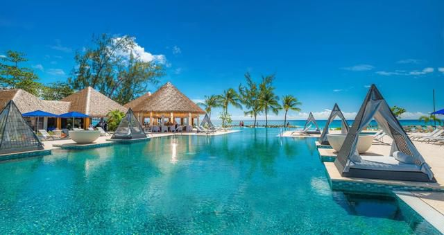 Sandals Barbados: Stay at one resort play at two