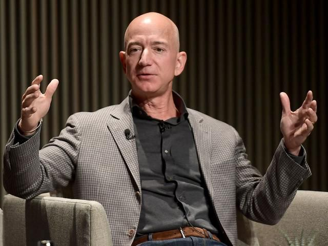 One of Amazon's first employees says the company should be broken up